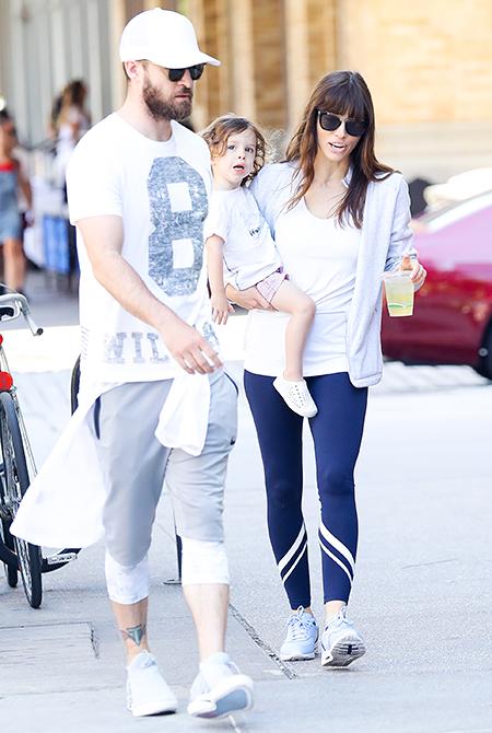 Джастин Тимберлейк и Джессика Бил с сыном Сайласом