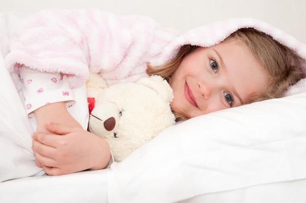 Как помочь ребенку побороть боязнь темноты