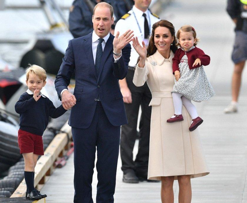 Принцесса Шарлотта с родителями и братом Джорджем