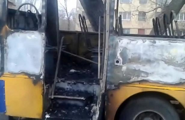 В Казахстане сгорел автобус с пассажирами