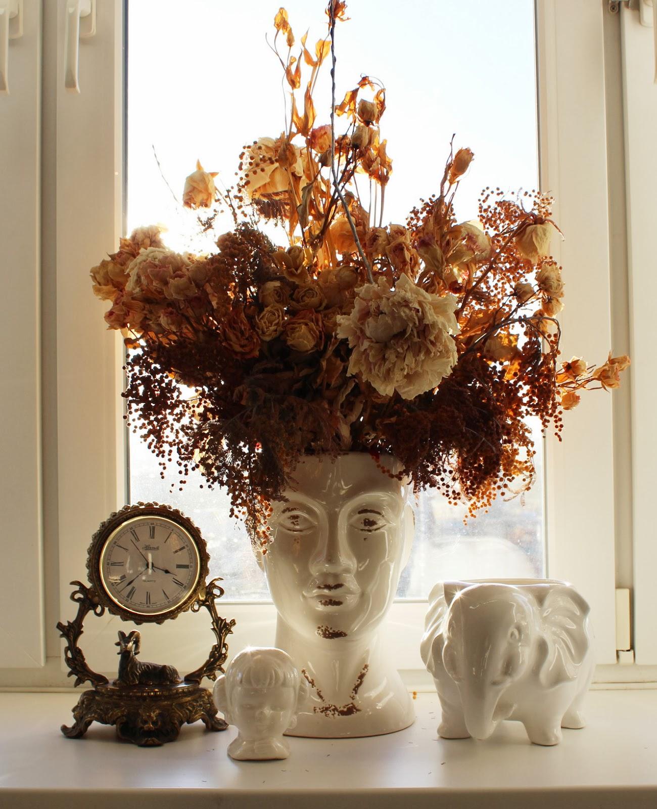 Сухоцветы в декоре подоконника