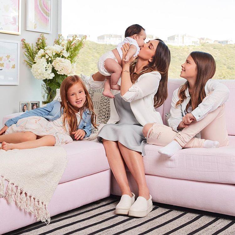 Джессика Альба с детьми
