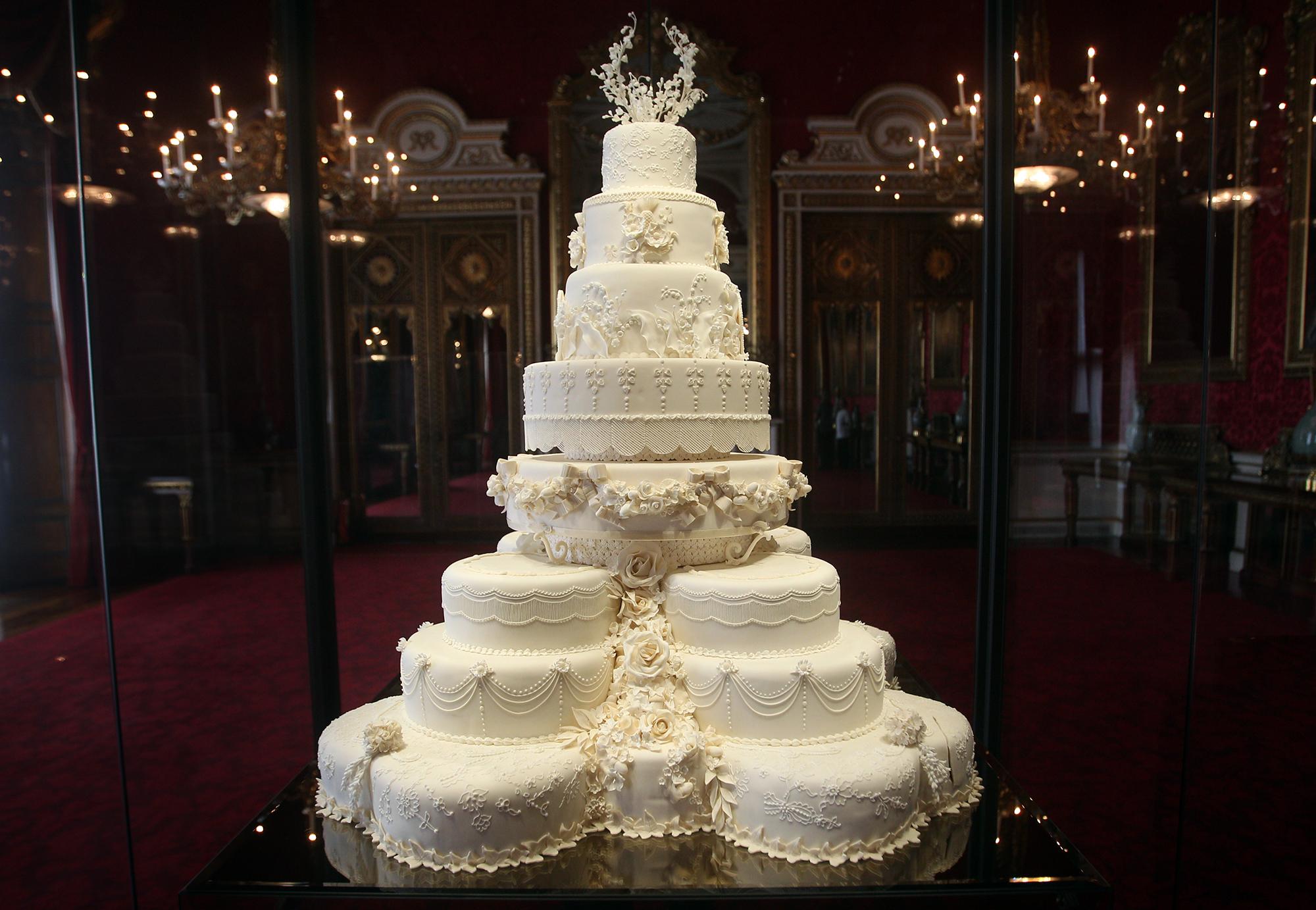 Свадебный торт принца Гарри и Меган Маркл
